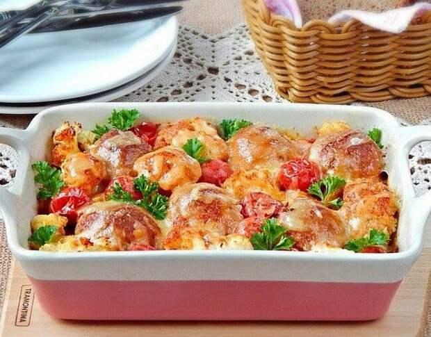 Мясные шарики с цветной капустой и соусом. Сытный ужин на скорую руку 2