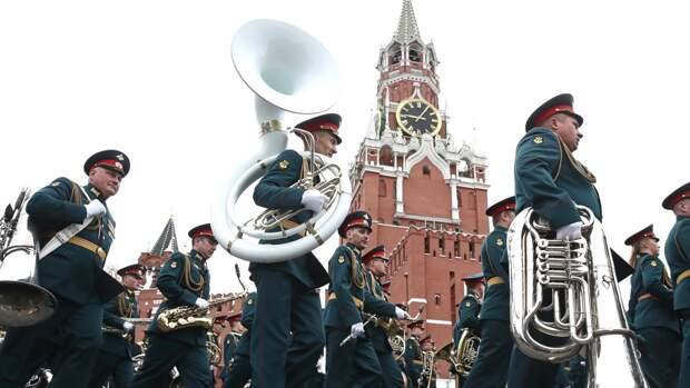 Масштабный парад Победы на Красной площади привел россиян в восторг