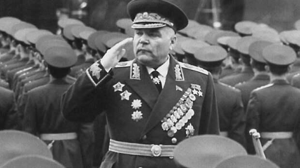 Министр обороны СССР пролил свет на первые дни Великой Отечественной
