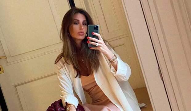 «Подписчикам не угодишь»: стилист вступилась за заклеванную Кети Топурию