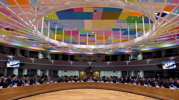ЕС пригласил США и Канаду к участию в военной программе сообщества