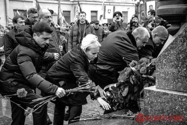 В Симферополе отметили годовщину создания Народного ополчения Крыма 14