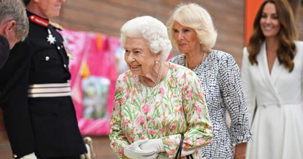 Кейт Миддлтон, королева Великобритании и первые леди блистали на саммите G7