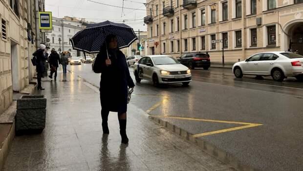 Рекордный по количеству осадков дождь начался в Москве