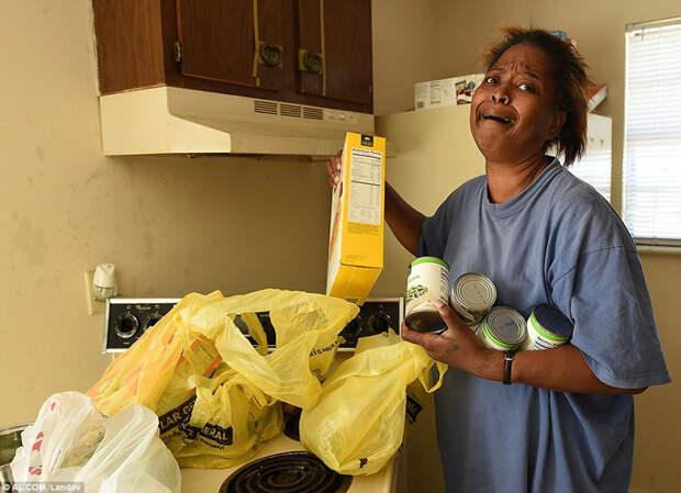 Она украла 5 яиц, чтобы накормить семью, и вот к чему это привело...