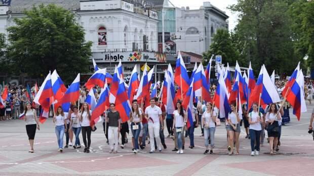 Крымчане поделились эмоциями от празднования Дня России