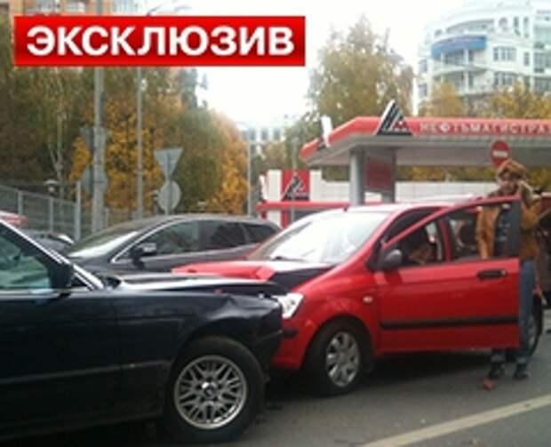 28.02.2013 08:16 : На северо-западе Москвы  неизвестный мужчина обстрелял Скорую помощь