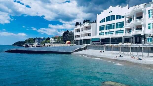 Пляжи Южного берега Крыма оказались не готовы к курортному сезону