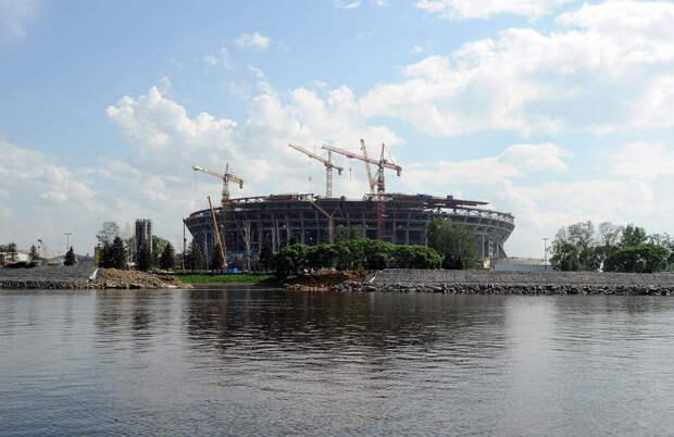 DSC 51811 Нефасадный Петербург: вид с воды