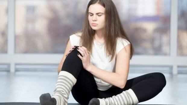 Названы симптомы артрита, требующие незамедлительной помощи врача