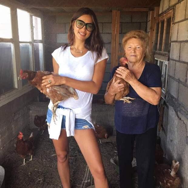 Супермодель в гостях у бабушки