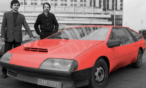 Советский изобреталь собрал в сарае автомобиль, опередивший время