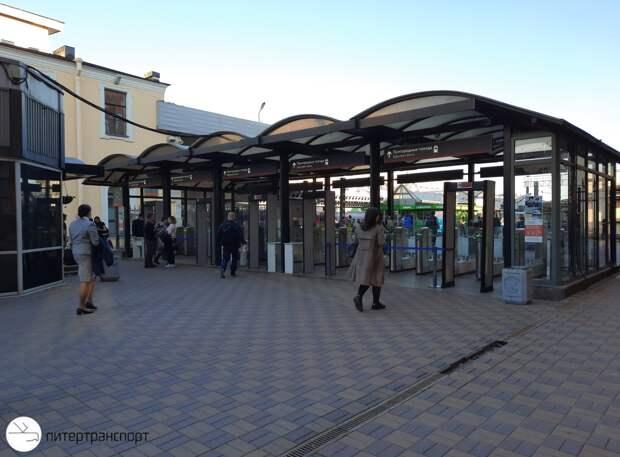 На станции «Площадь Восстания» после длинной паузы открыли выход на Московский вокзал