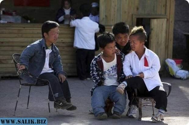 Загадка китайской деревни карликов