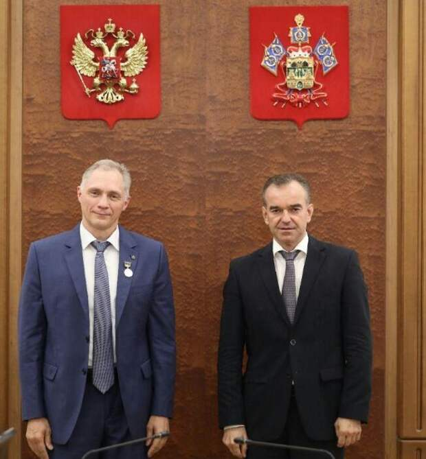 В Краснодаре наградили медалью главврача второй ККБ
