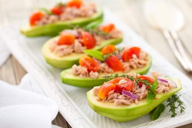 5 простых блюд, которые можно съесть вместе с тарелкой