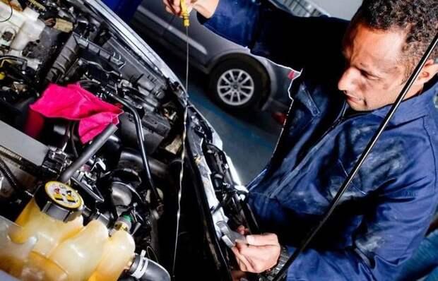 5 веществ, которые автомобилисты то и дело забывают менять в своей машине