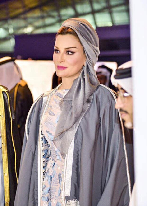 Стиль богатой женщины на примере шейхи Мозы. Западная лаконичность и восточная роскошь