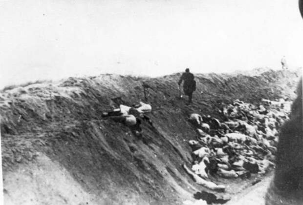 liepaja-massacres-7.jpg