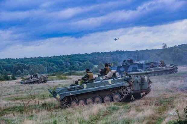 Планы Кремля пошатнулись: США перебрасывают в Украину мощные бомбардировщики и технику