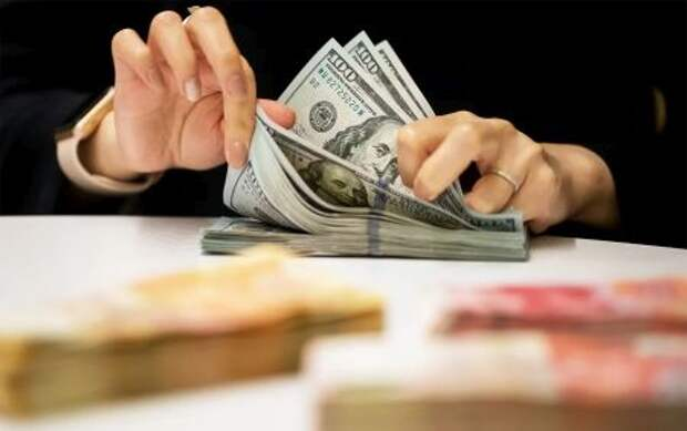 Минфин РФ в течение месяца избавится от доллара в ФНБ
