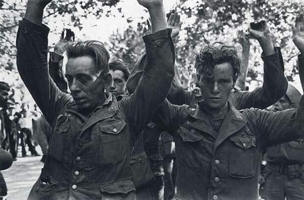 Немцев с какими татуировками красноармейцы не брали в плен