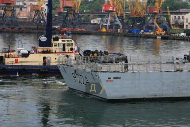 Новейший корабль НАТО зашел в порт Одессы: появилось видео британского судна