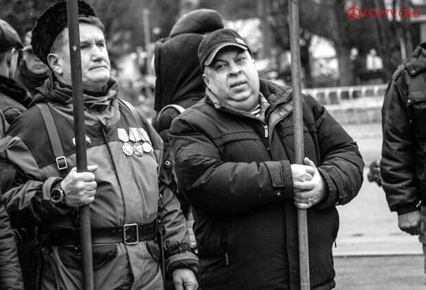 В Симферополе отметили годовщину создания Народного ополчения Крыма 8