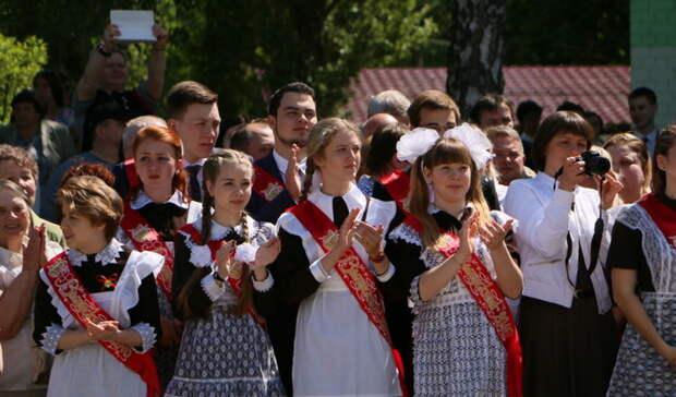 В Оренбуржьене всех родителей выпускников пустят на последние звонки