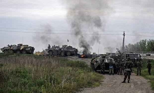 В районе аэропорта Луганск обстреляна колонна сил АТО