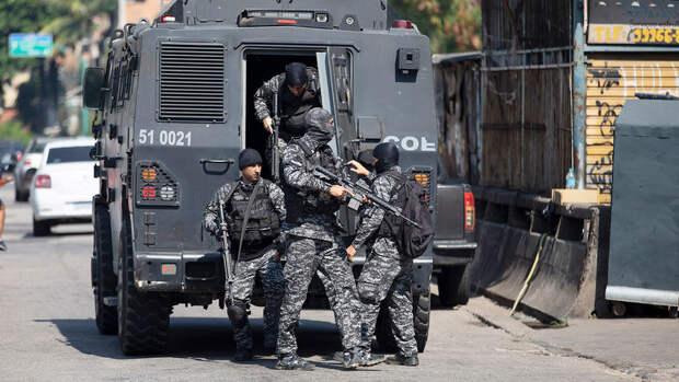 В Рио-де-Жанейро 25 человек погибли в результате перестрелки около метро