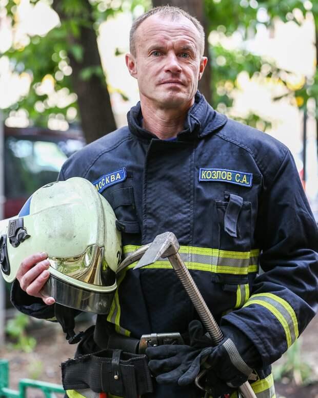Просто работа или повод для гордости: что пожарные Москвы думают о своей профессии