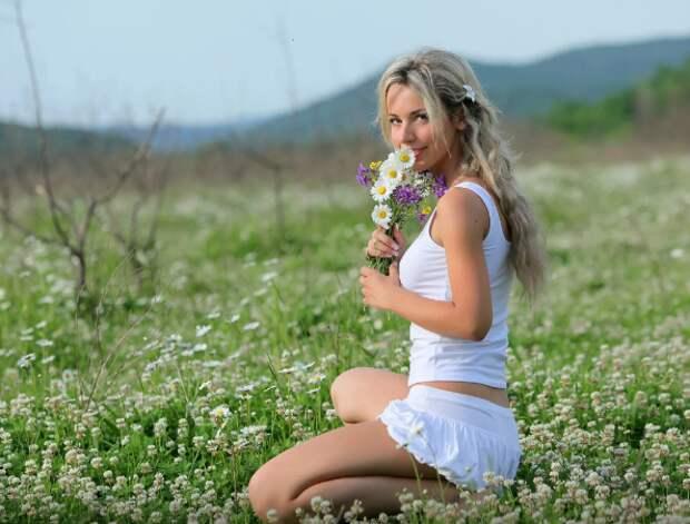 Красивые девушки на природе. Часть 5 | Соблазнительные девушки ...