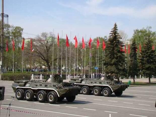Отсутствие гиперзвукового оружия на параде Победы в Москве напугало американцев