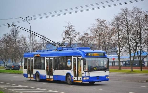 Петербургские трамваи и троллейбусы украсят к ЕВРО-2020: во сколько это обойдется