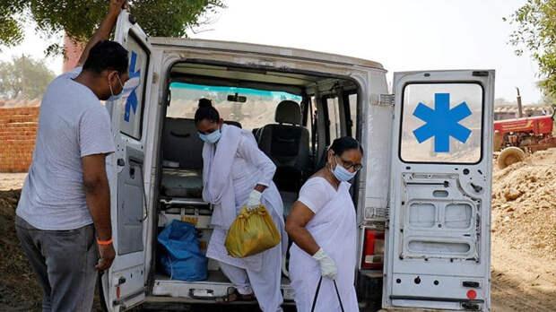 """В Индии началась вакцинация """"Спутником V"""""""