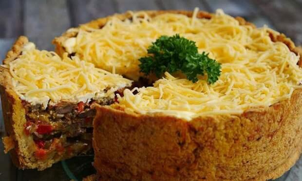 Пирог, который на самом деле салат: тонкое тесто и много начинки