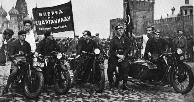 Как советские мотоциклисты помогали популяризации социализма в Европе