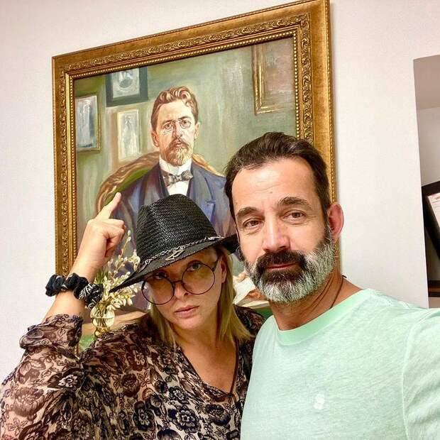 Никаких трагедий, слез и истерик: Дмитрий Певцов объяснил уход жены из театра «Современник»