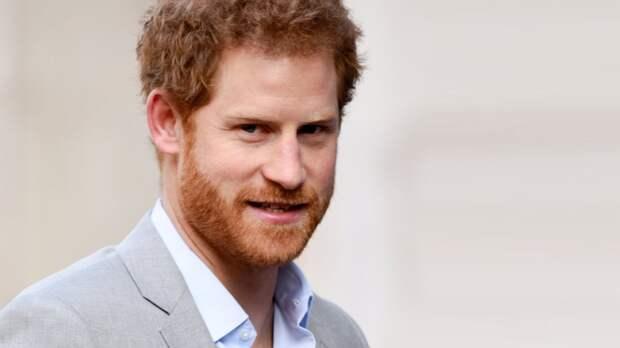 Принц Гарри хотел уйти из королевской семьи до встречи с Меган Маркл