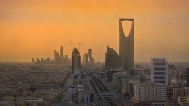 Саудовская Аравия введет жесткие ограничения для непривитых от COVID-19