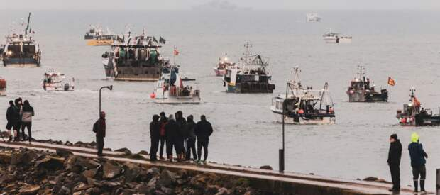 Франция угрожает Британии санкционными мерами из-за спора о рыболовстве