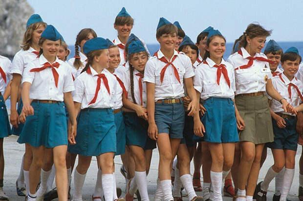 Стёб над антисоветчиками и их тоталитарным Советским Союзом