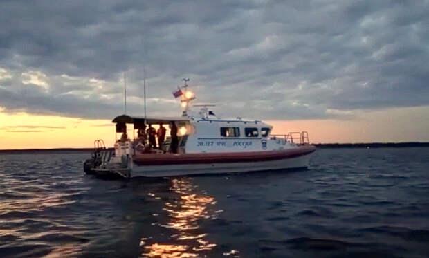 Опубликовано видео с места крушения вертолёта в Белом море