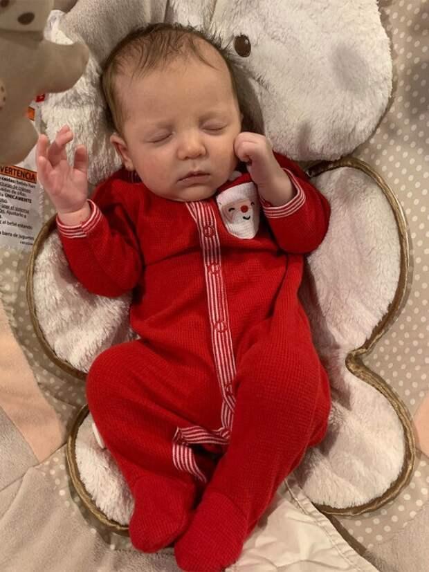 Американка родила ребенка изэмбриона, замороженного 27 лет назад