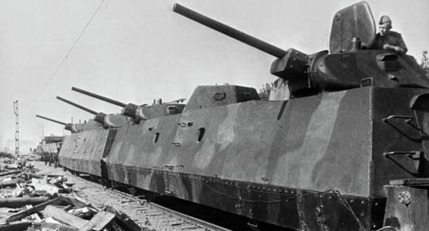 Бронепоезда созданные уже в годы войны получали башни от Т-34.  Фото: twitter.com.