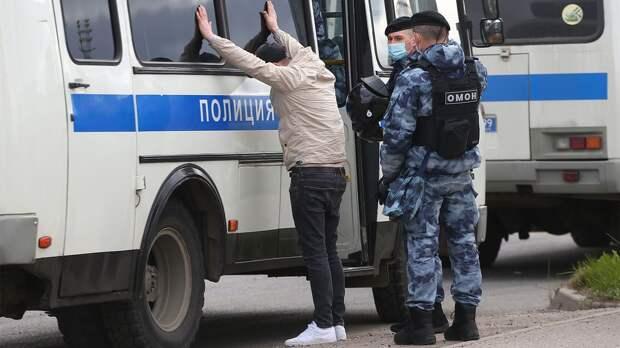 Московская полиция задержала 16 человек перед матчем Россия — Болгария