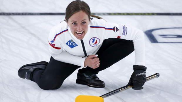 Женская сборная России по керлингу одержала седьмую победу подряд на ЧМ