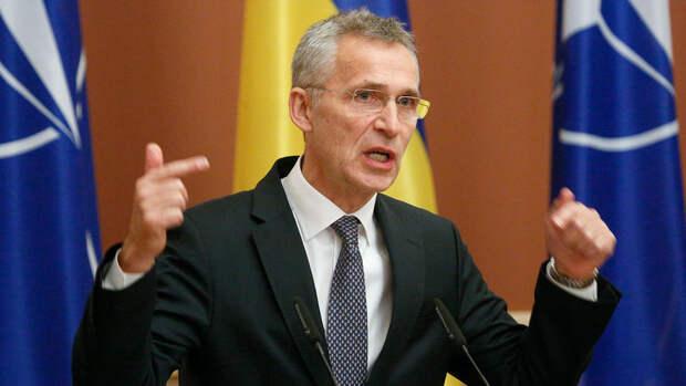 """Глава НАТО оценил """"военное присутствие"""" России у границ с Украиной"""