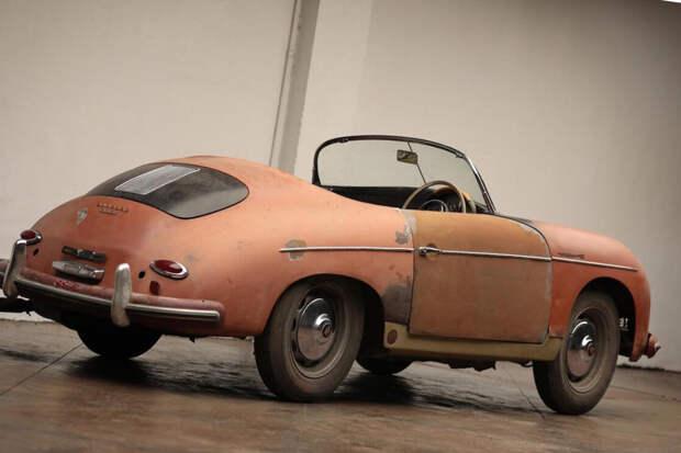 Нашли машину которая провела в сарае несколько десятков лет. Рассказываю что за машина.